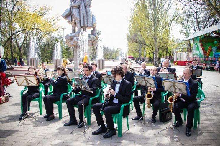 Народный уховой оркестр имени Ю.П. Шеина открыл летний сезон в парке Победы
