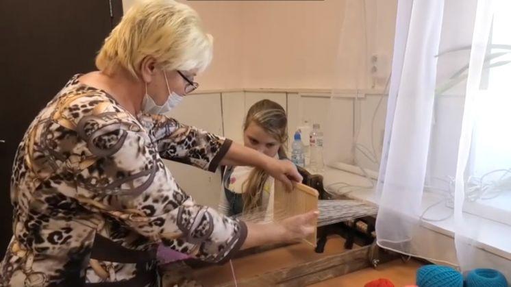 Мастера декоративно-прикладного искусства ДК «Октябрь» провели мастер-классы, посвященные Дням казачьей культуры