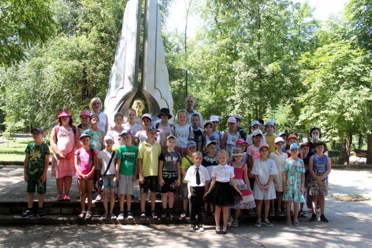 Юные жители Волгодонска почтили память абсолютного Чемпиона мира, Европы и Советского Союза по высшему пилотажу — Виктора Самуиловича Лецко.