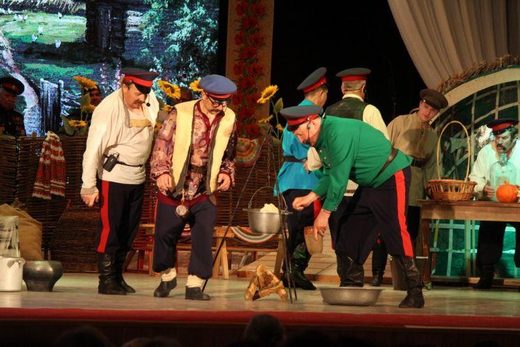 В ДК «Октябрь» снова показали историю «Бабий бунт» по мотивам произведений Шолохова