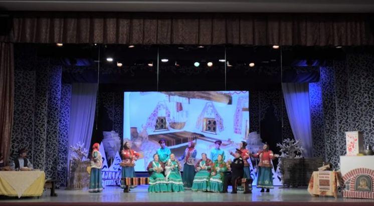 Праздничный концерт народного фольклорного ансамбля «Красноярочка»
