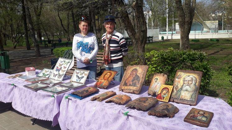 Мастера из Волгодонска представили свои работы на празднике в парке Победы