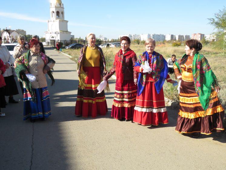 Ансамбль «Волгодон» ДК «Октябрь» создал хорошее настроение на праздник Покрова