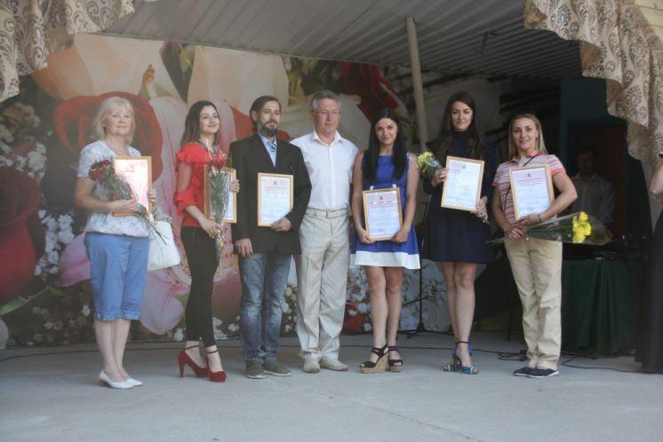 Глава администрации наградил творческие коллективы, прославляющие Волгодонск