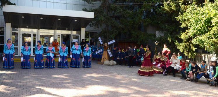 В ДК «Октябрь» прошел фестиваль казачьей песни «Поет казачий Дон»