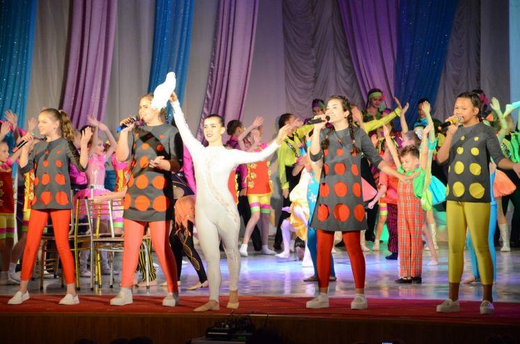 В ДК «Октябрь» открылся 51-й  творческий сезон