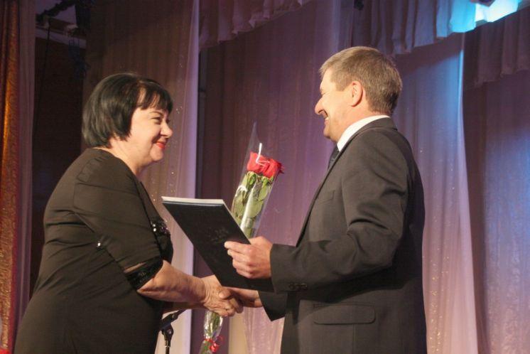 Волгодонская школа №13 отметила 40-летний юбилей в ДК «Октябрь»