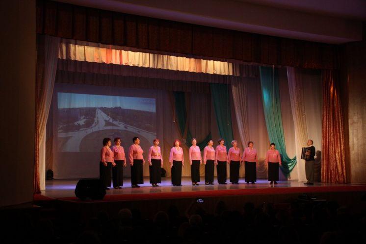 В ДК «Октябрь» прошел концерт «Учителями славится Россия»