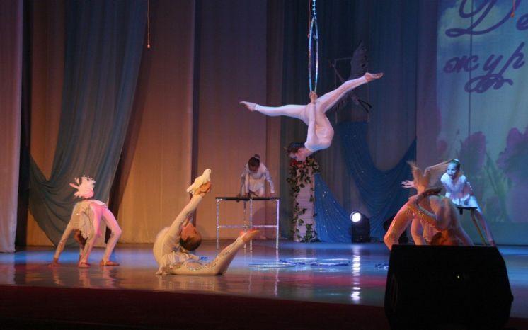 В Волгодонске отметили День белых журавлей большим концертом в ДК «Октябрь»