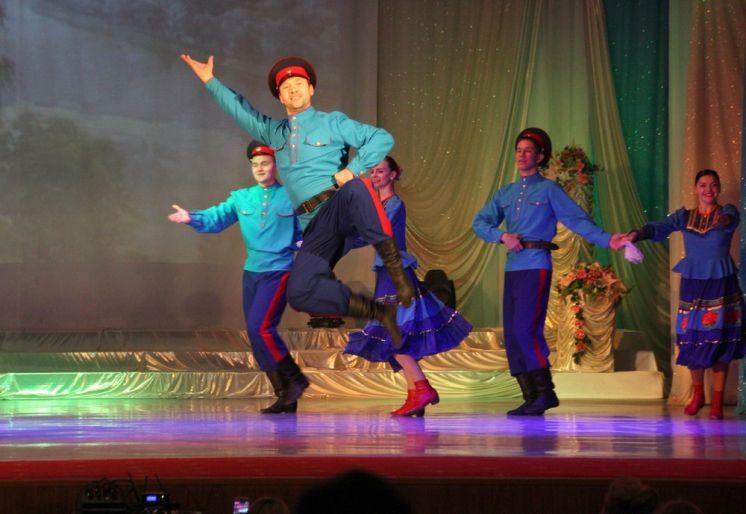 В ДК «Октябрь» прошло торжественное мероприятие, посвященное декаде инвалидов